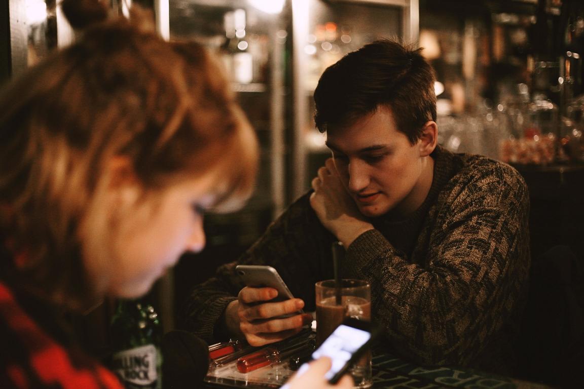 Gespräche im Cafe